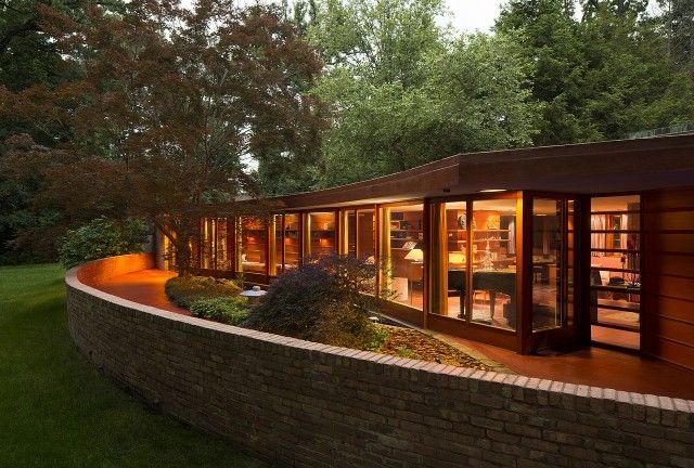 Rockford is home to a Frank Lloyd Wright-designed Usonian house, the Laurent House.